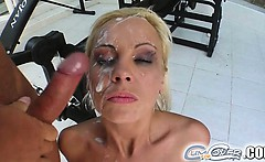 Mariana is an extremely sexy blonde. She gets to suck off